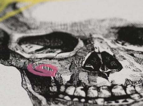 HIN08-Hin-Skipping-Skull-Girl-Close-Up3